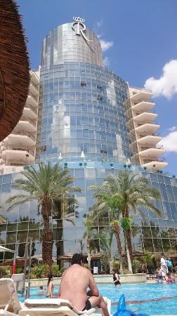 Royal Rimonim Dead Sea: המלון מהבריכה