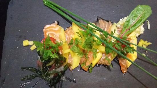 Montmorillon, Prancis: sashimi de saumon et mangue