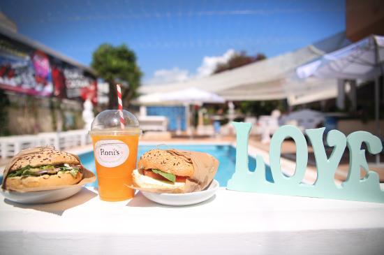 Ronis Deli & Burger