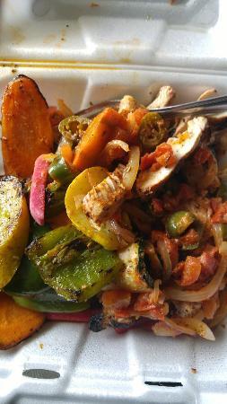 Kentwood, MI: Chicken shata and Fatoosh. Mmmmm Good!