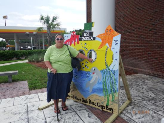 Kingsland Welcome Center: sister Trisha with the silly photo op