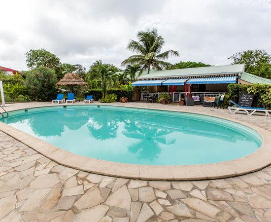 Village de Menard, Hotels in Roseau