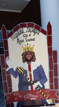Kingsland Welcome Center: Me being silly with photo op