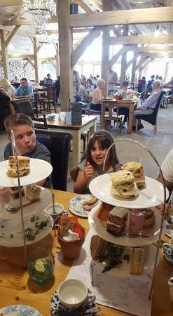 Scorton, UK: Afternoon teas.