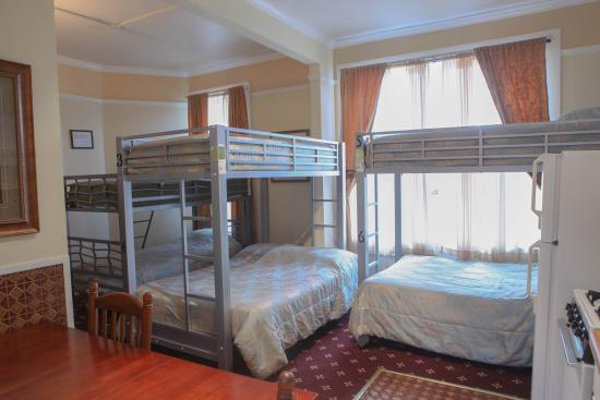 Music City Hotel: Six bed dormitory with Ensuite