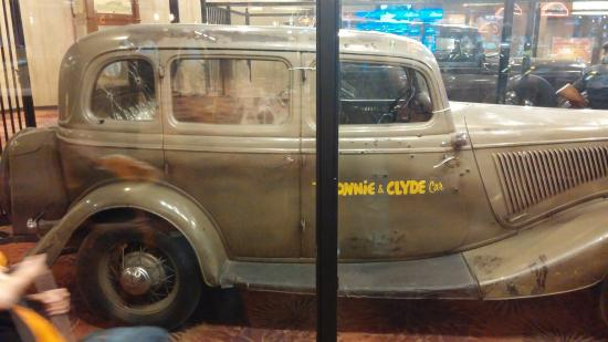 Whiskey Pete S Hotel Bonnie Clyde Car
