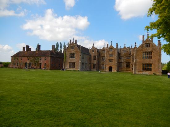 Ilminster, UK: Barrington Court House and Strode House