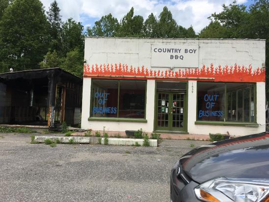 Country Boy BBQ: CLOSED!!!!!!!