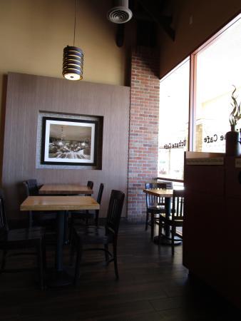 Urbane Cafe: Interior