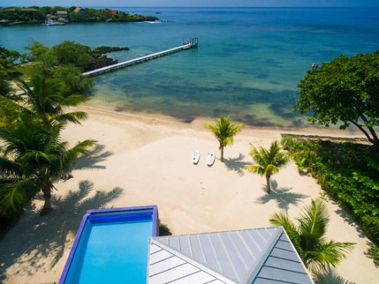 Roatan Vivaro: Beach