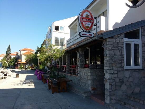 Bozava, Croacia: Gute Lage & Schlechtes Essen