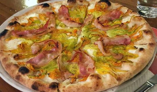 La Bascula Pizzeria