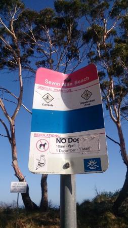 Seven Mile Beach: Sign at car park