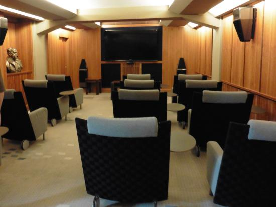 Aria Hotel: Private theater for guests.