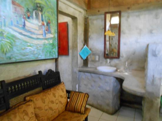 Fronteras, Guatemala: es la entrada al baño , la pileta esta fuera