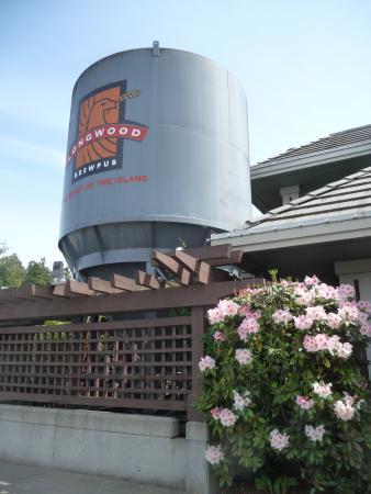 Longwood Brew Pub & Restaurant: exterior