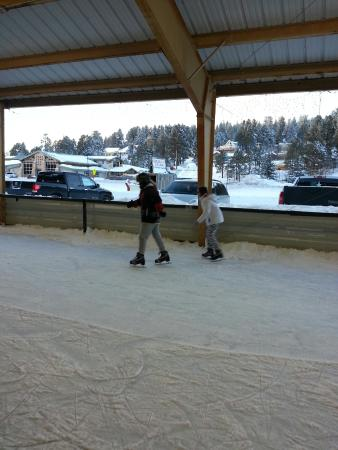 Cloudcroft, NM: Ice Rink