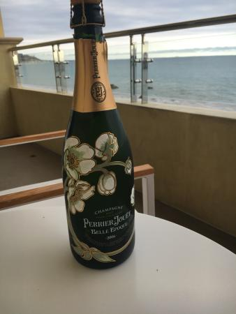 Malibu Beach Inn: Our Anniversary bottle of Perrier Jouet Epoque enjoyed on our balcony.
