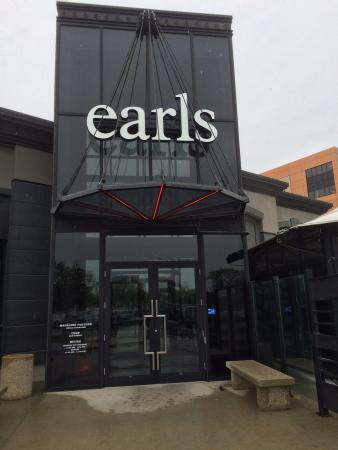 Earls: Outside