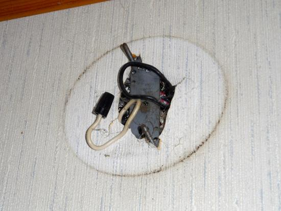 Cozy Court Motel: open electrical wiring