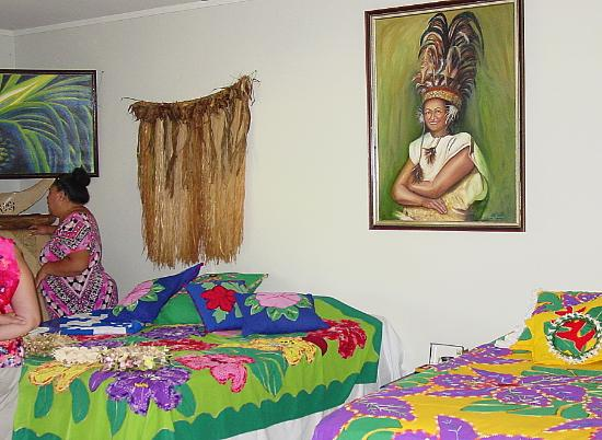 Ngatangiia, Cook Islands: The Queens portrait , special cook island quilts among other things.