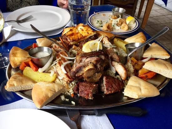 Minoas Greek Taverna: photo0.jpg