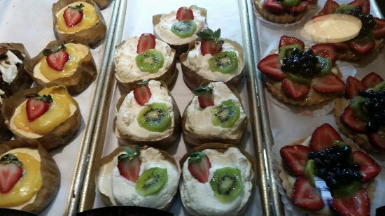 Aria Bakery: 20160518_081826_large.jpg
