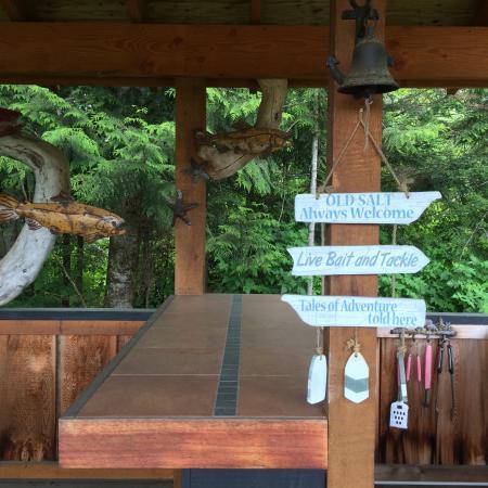 Port Hardy, Canadá: Public kitchen. Barbecue, sink, fridge...