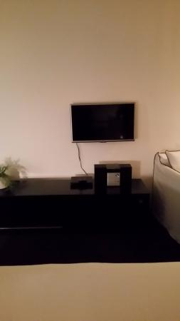 Mollymook, Αυστραλία: Ridiculously small TV