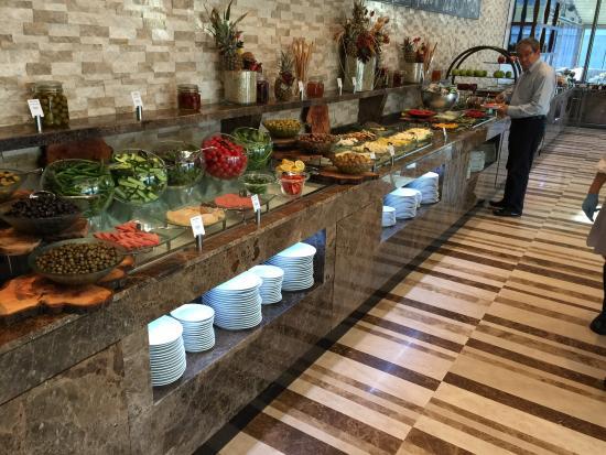 Kahvalt s per picture of divan mersin mersin tripadvisor for Divan mersin