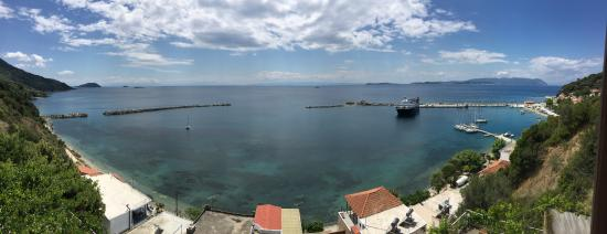 A pano shot of the port of Loutraki @ Glossa