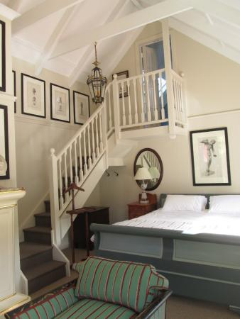 Puhoi, Nouvelle-Zélande : The romantic Suite with roof terrace overlooking babbling stream and native bush.