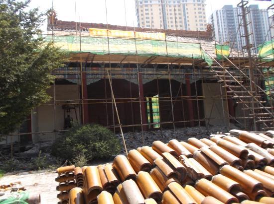 Jilin, China: 改修中の崇聖殿