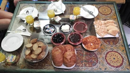 دار الياسمين: Exemple d'un petit déjeuné