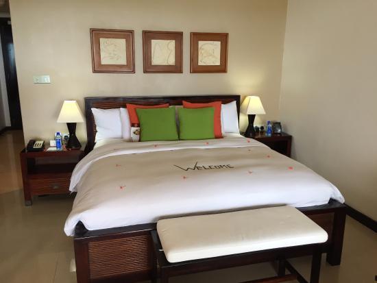 Foto de DoubleTree by Hilton Seychelles Allamanda Resort & Spa