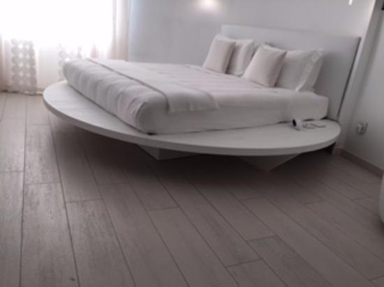 Allegro Apartments Duomo : White themed rooms