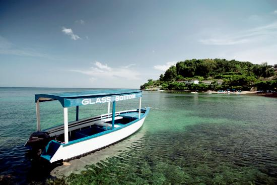 Round Hill Hotel & Villas: Round Hill & Glass Bottom Boat