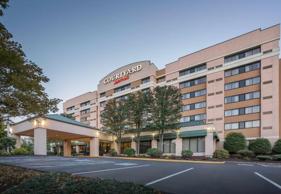 Photo of Courtyard by Marriott Shelton