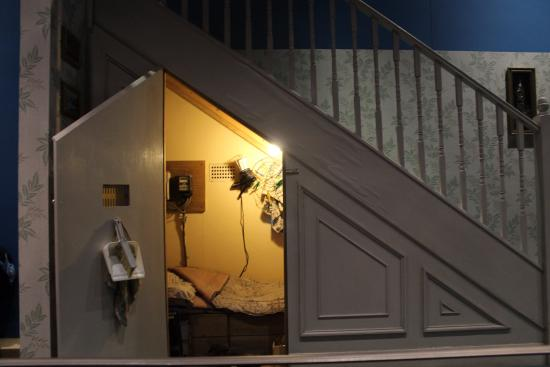 Sottoscala di casa dursley picture of warner bros studio tour london the making of harry - Harry potter casa ...