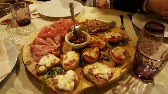 Montespertoli, Italia: 20160518_210553_large.jpg