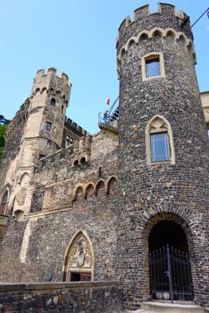 Trechtingshausen, Tyskland: башня замка