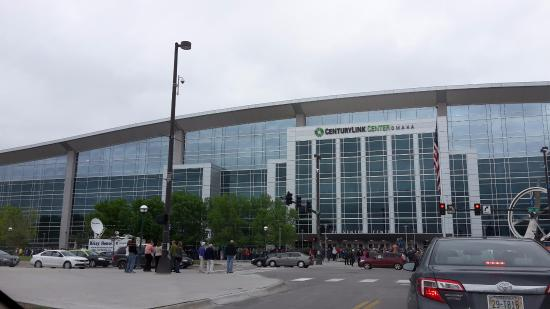 Centurylink Center Omaha >> Front Of The Building Picture Of Chi Health Center Omaha
