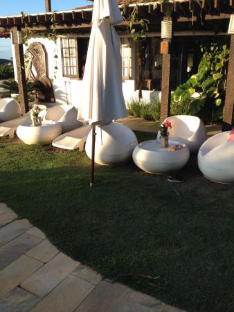 Buzios Arambare Hotel: Vista do jardim