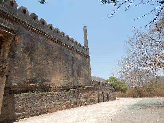 Uperkot Fort : Uparkot Fort