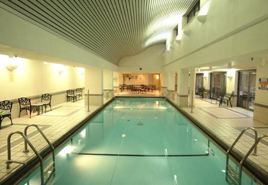 Photo of Courtyard By Marriott Chicago Downtown River North