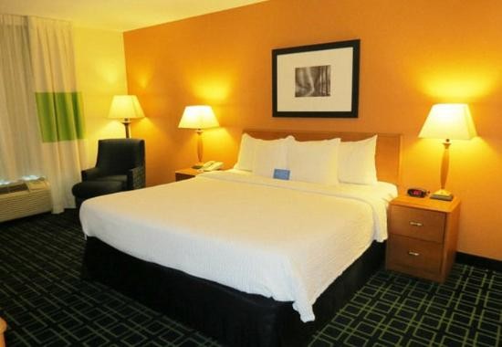 Mount Vernon, IL: King Guest Room