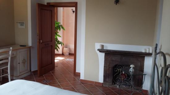 Camino camera da letto - Picture of Country House \'U Casino, San ...