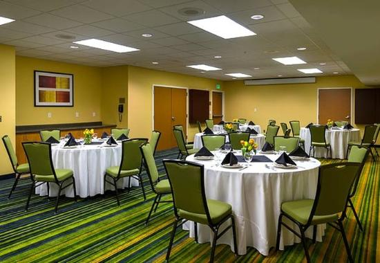 Fairfield Inn & Suites Seattle Bellevue/Redmond: Summit Meeting Room