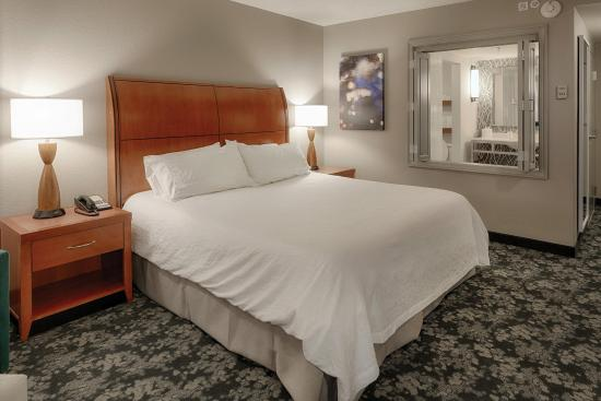 Twinsburg, OH: Whirlpool Suite