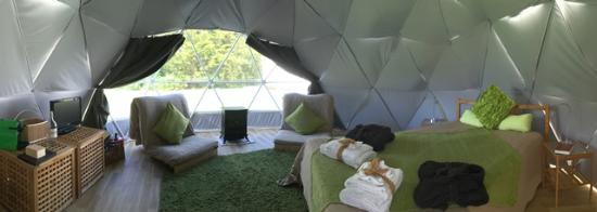 Shaftesbury, UK: dome glamping interior